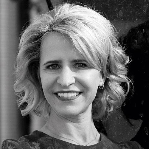 Dr. Aurelia Frick